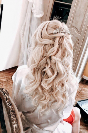 bride hairstyle wedding