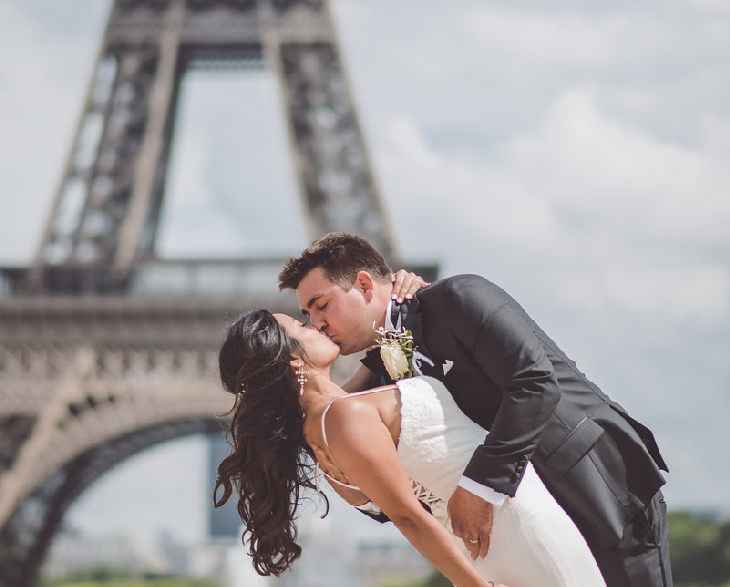 picnic-marriage-proposal-in-paris-eiffel-tower