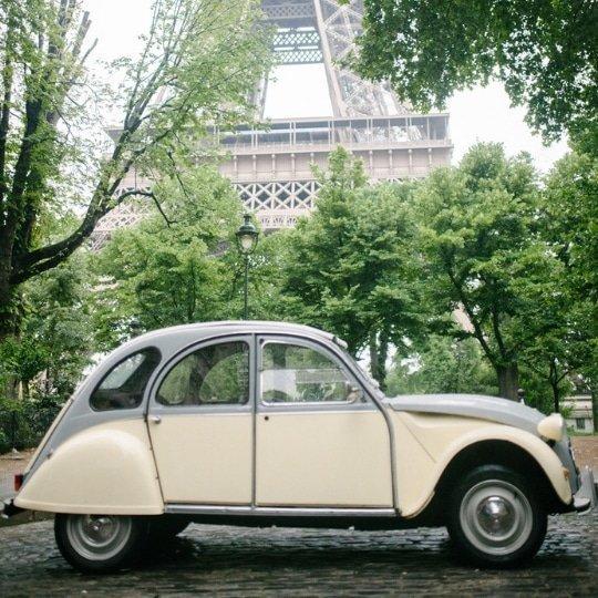 vintage-2cv-chauffeur-paris