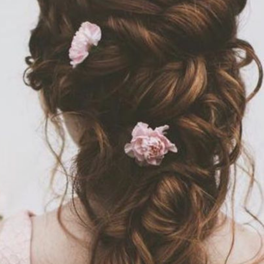 paris-elopement-hair-flowers