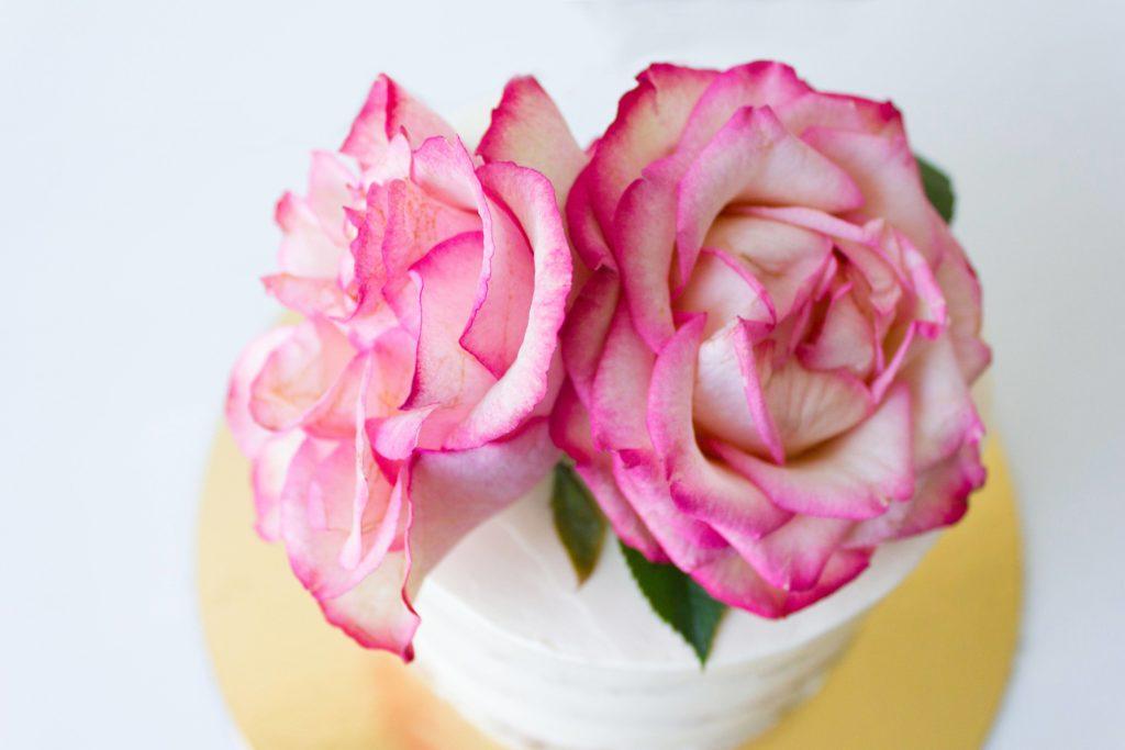 wedding-cake-flowers