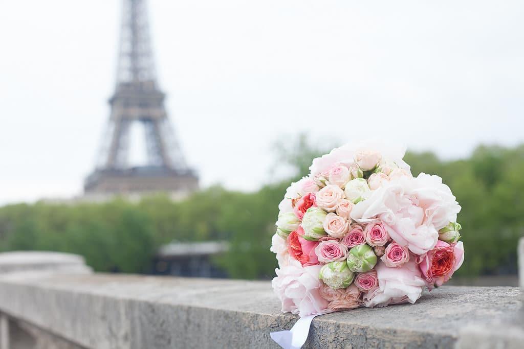 bridal-bouquet-eiffel-tower
