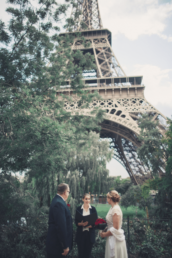 minimalist-wedding-eiffel-tower-garden